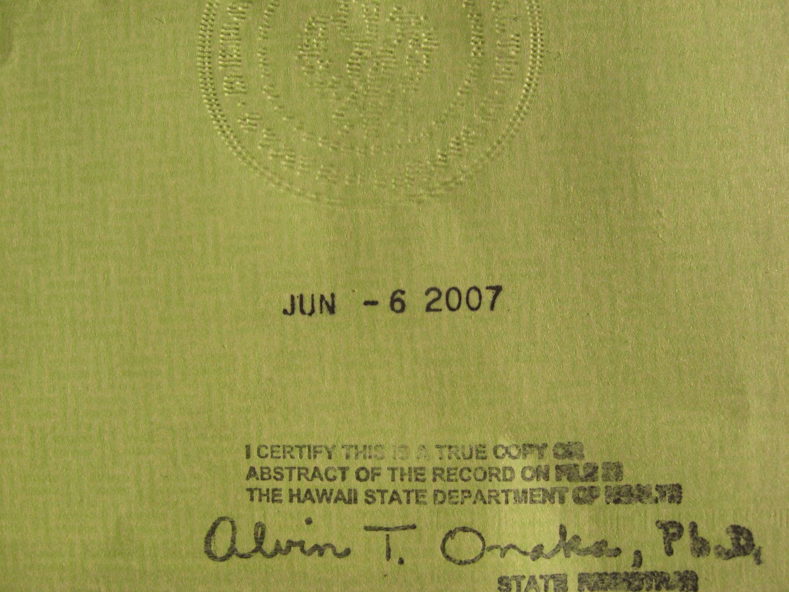 Humor me ats do you see a raised seal on the back of obamas humor me ats do you see a raised seal on the back of obamas short form birth certificate page 1 aiddatafo Images