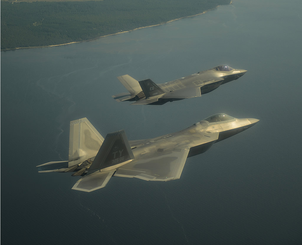 The gallery for --> F22 Vs F35 Speed