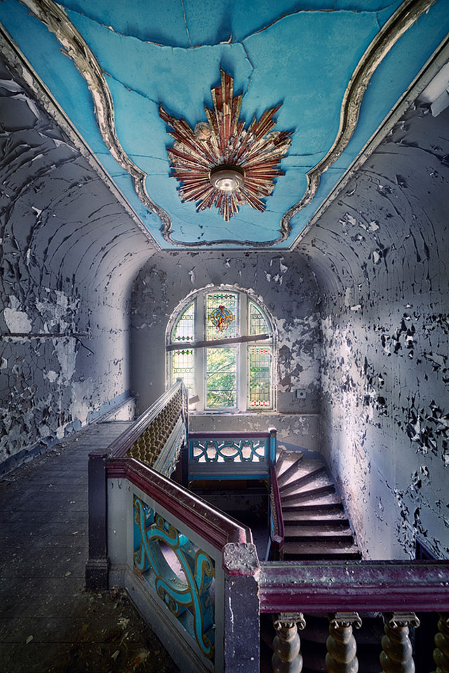 Abandoned Places Beautiful Photographs Page 1
