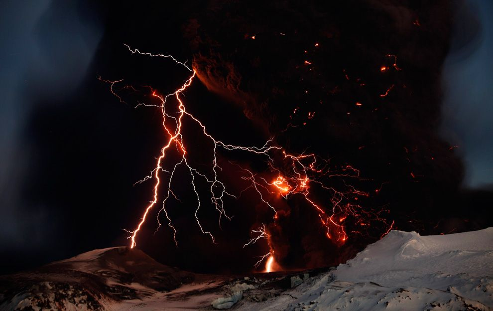Volcano Lightning Wallpapers Group (68 )